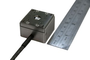 compact-single-axis-piezo-actuator